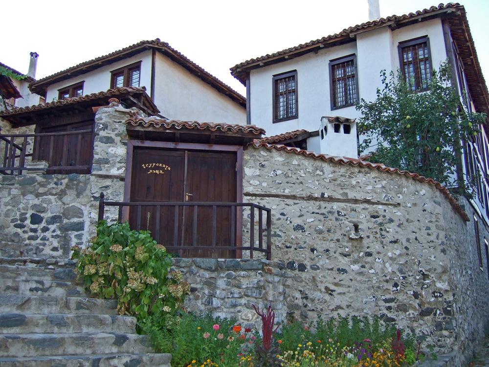 Згуревата къща