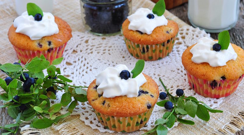 fresh-muffins-with-blueberry